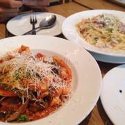 Spaghetti hải sản và Carbonara