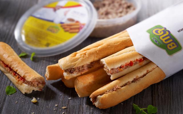 Bánh Mì Que Pháp - Lê Văn Lương