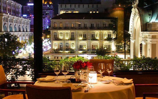 Reflections Restaurant - Caravelle Hotel
