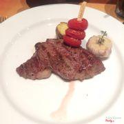 Beefsteak phần Ribeye với sốt tiêu đen