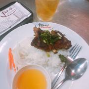 Cơm ngon lắm, ngon hơn khi đang đói =))