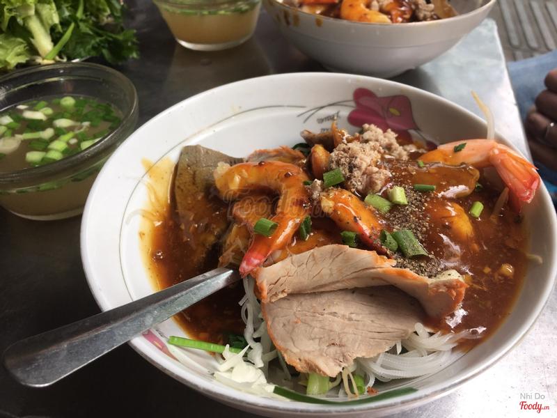 Hủ tiếu khô đặc biệt tôm cua