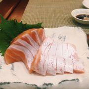 sashimi cá hội - bụng cá hồi