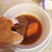 Bò hầm - bánh mì