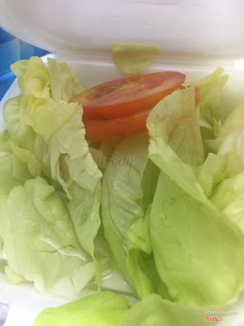 Salad trộn ăn kèm bò bít tết
