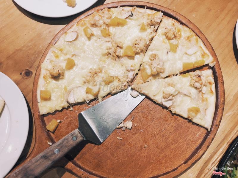Pizza gà sốt kem nấm