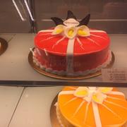 Lily garden cake