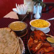 Gà Tandoori+ Bánh naan tỏi+ cà ri bò hạt điều