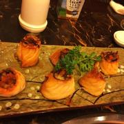 Cá hồi cuộn nấm