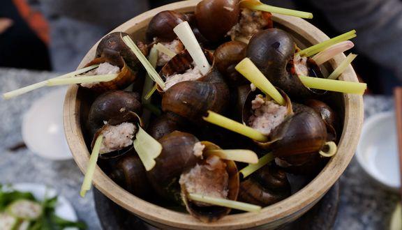 Quán 33 - Ốc Nhồi Thịt & Lẩu Đuôi Bò 1