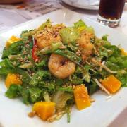 Salad tôm thái