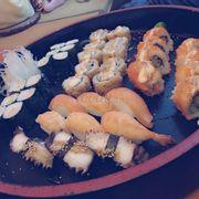 Sushi set 8 cho 3-4 người ăn 😍