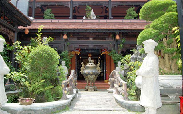 Cung Đình Restaurant - Món Huế