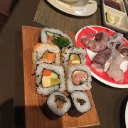 Đĩa sushi tổng hợp