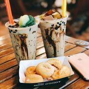 Mini donus + trà sữa