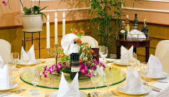 Four Seasons Restaurant - Halong Plaza Hotel