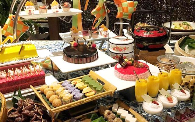 Riverside Cafe Buffet - Renaissance Riverside Hotel