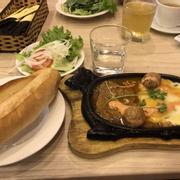 Bò né ngon,đầy đủ,bánh mì giòn rụm