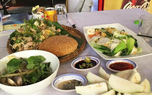 Cánh Buồm Trắng - White Sail Cafe - Fresh Seafood