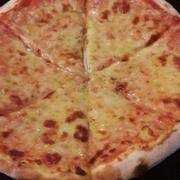 Pizza margherita cỡ M