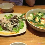 Gỏi bò + mì hải sản