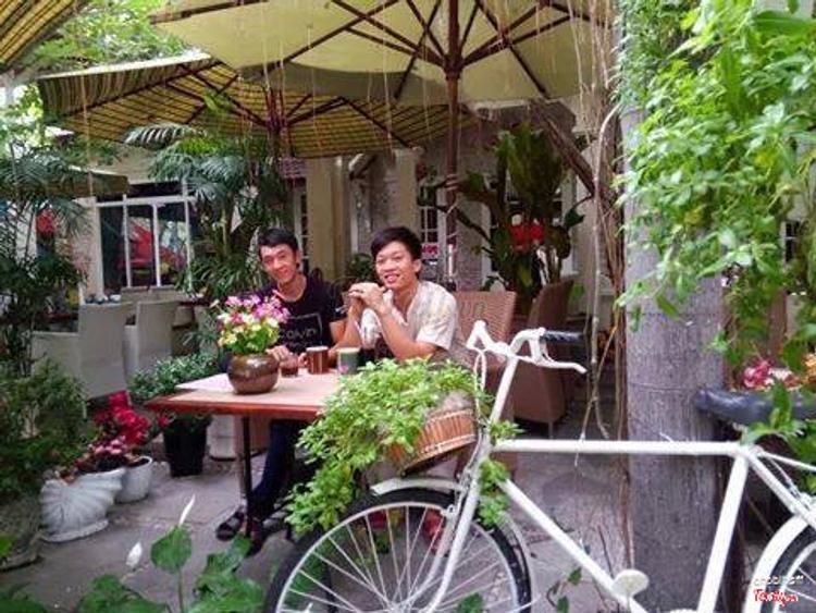Cafe Bonjour - Lãng Mạn Kiểu Pháp ở Khánh Hoà
