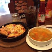 Pizza kèm canh súp