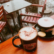 Hot dark chocolate & Latte