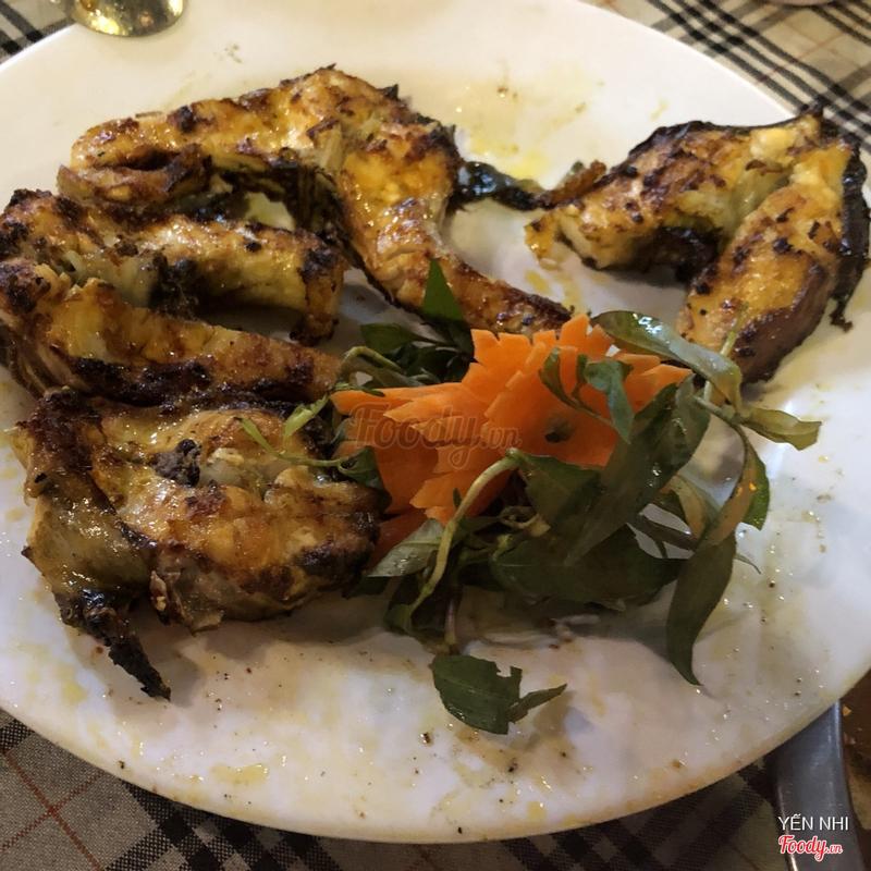 Cá tầm nướng muối ớt (đầu đuôi nấu lẩu măng chua)