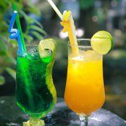 Soda + cam ép