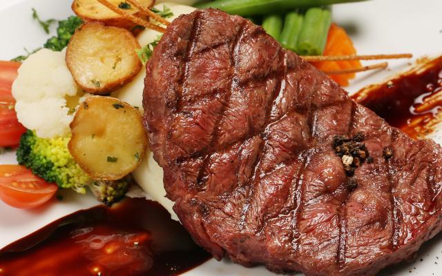 Botanica - Salad, Steak & Pasta - Thái Phiên