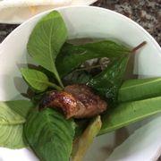 U bò nướng, ăn cùng rau sống
