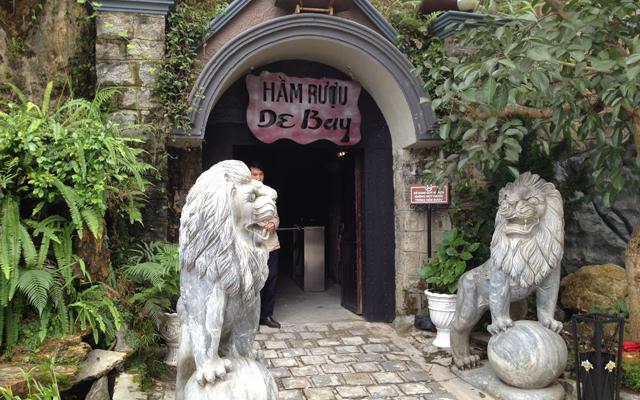 Hầm Rượu Debay