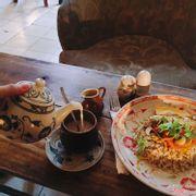 Cơm gạo nứt - xoài sốt cary : 100k / Coconut chai tea: 60k