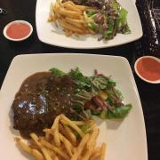 steak bò sốt tiêu đen