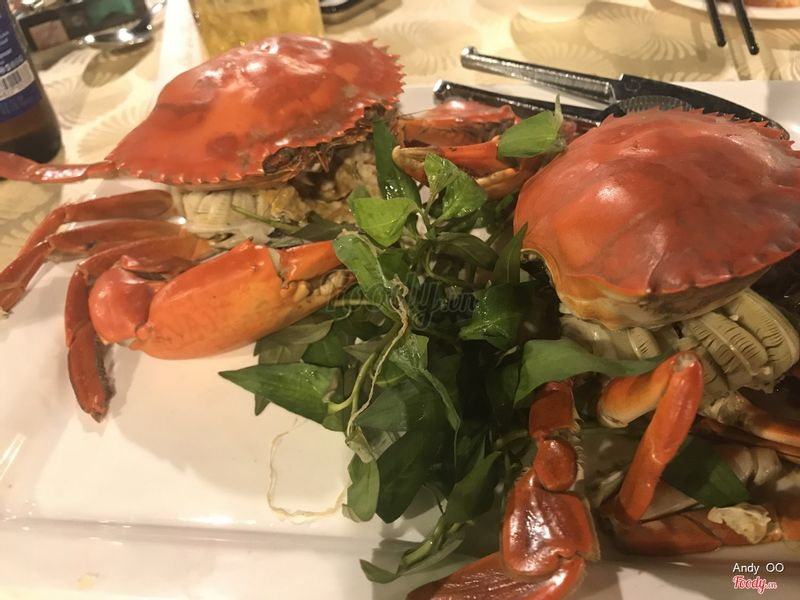 Crabs steamed with beer