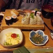 suất sushi tổng hợp