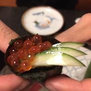 Matsu sushi trứng cá hồi