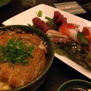 Katsu Don và sashimi combination