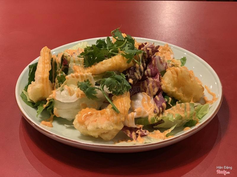 Salad tôm chiên