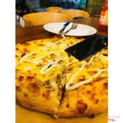 Pizza seafood pesto