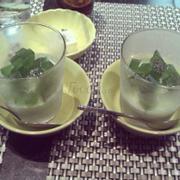 Yaourt trà xanh (phần bò chế biến mình quên chụp lại do anh đàu bếp làm xog kêu ăn thử liền)