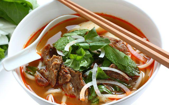 Bún Bò Sen Vàng - Hà Huy Giáp