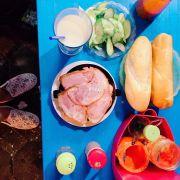 Bánh mì giòn. nhiều thịt nguội, pate ngon, dưa chuột vừa miệng, nói chung là ngon bổ rẻ