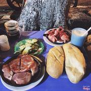 Mình không thích bánh mì ở đây lắm vì không có sốt ăn kèm hơi khô :(