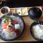 Cơm sashimi