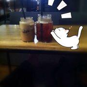 Phải nói là quán trà sữa mình hài lòng nhất từ trước đến giờ ở Cần Thơ , từ thức uống , bánh , không gian và mấy ac phục vụ dth vô cùng :)) Tuyệt !!