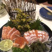 Set sashimi cá hồi
