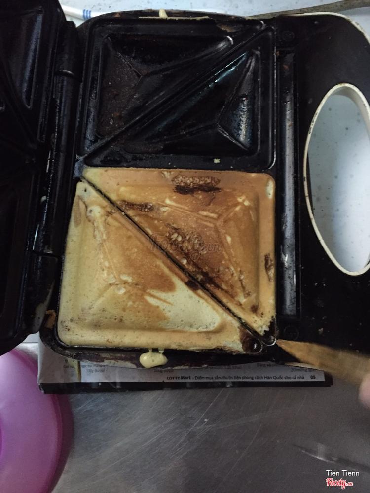 Bánh Hotdog - Ngã Sáu ở Khánh Hoà