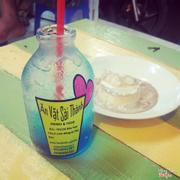 Soda đủ 20 hương vị. Mình ấn tượng nhất là soda Blu ocean, vị thanh, thơm mùi trái cây lắm nhé.